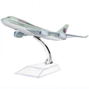 Qatar Airways Boeing 747 Dieca...